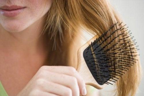 완벽한 머리카락을 위해 계피를 활용하자
