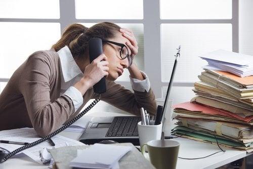 스트레스 무심코 갑상샘 건강을 위협하는 습관 7가지