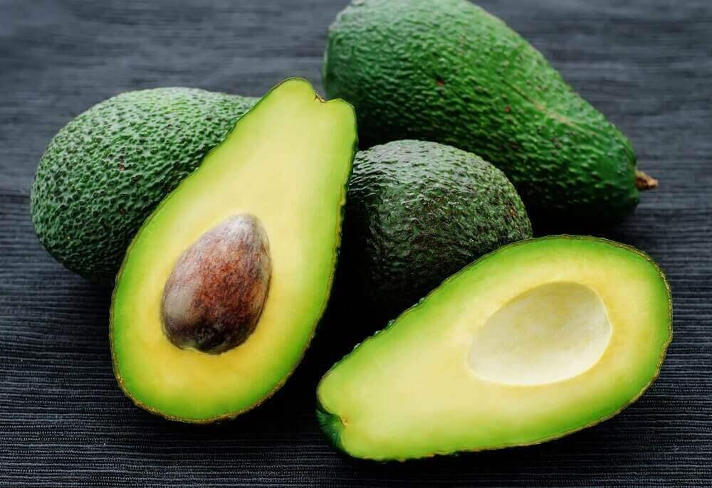 아보카도 좋은 콜레스테롤을 늘리는 6가지 음식들