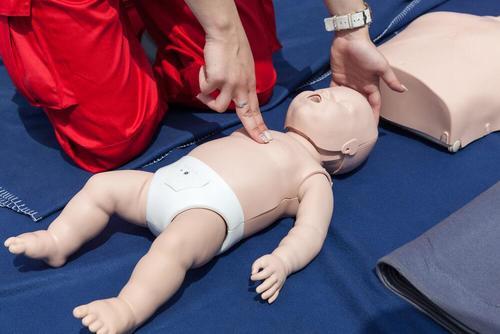 영아 심폐소생술 방법