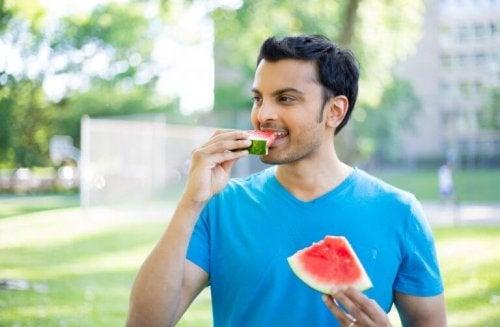 다이어트 식습관 주체할 수 없는 식욕을 다스리는 5가지 방법