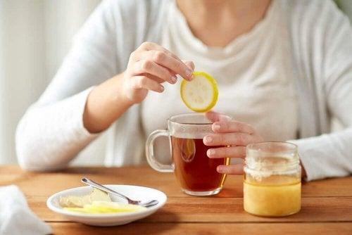 체중 감량에 절대 빠질 수 없는 음료 5가지