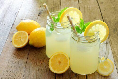 주기적으로 레모네이드를 섭취하면 좋은 점 8가지