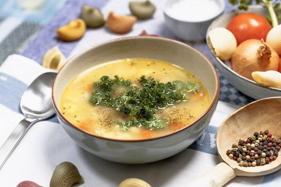 신체를 해독하는 맛있는 디톡스 수프 4가지