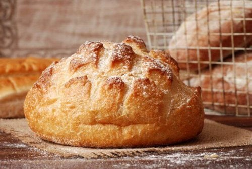반죽 없이 글루텐 프리 빵을 굽는 방법