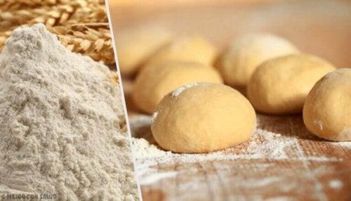 글루텐을 사용하지 않고 반죽 없이 빵 굽는 법