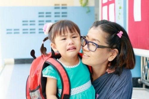 아이의 등교 첫날에 부모들이 저지르는 7가지 실수