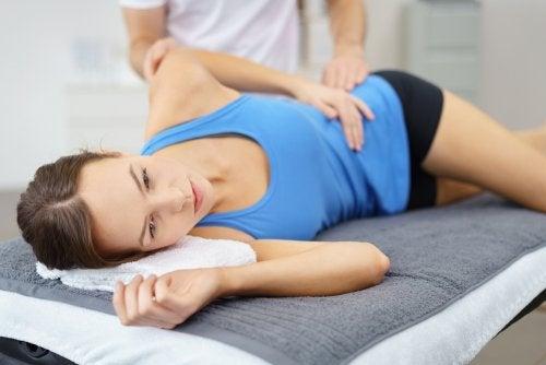 운동으로 고관절 건강을 지킨다.