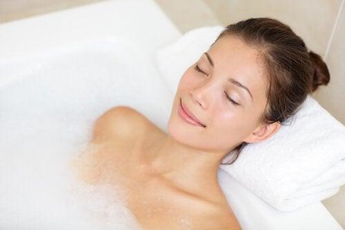 지끈지끈 두통을 가라앉히는 목욕