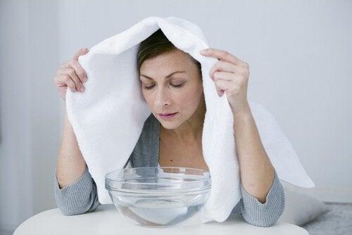 증기 목욕으로 폐를 정화한다.