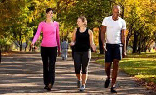매일 걷는 습관이 주는 6가지 혜택