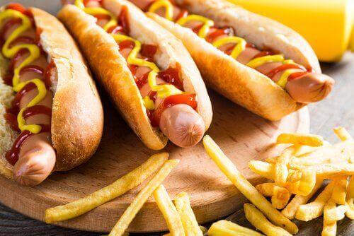 니트로사민을 포함하고 발암 가능성이 있는 식품