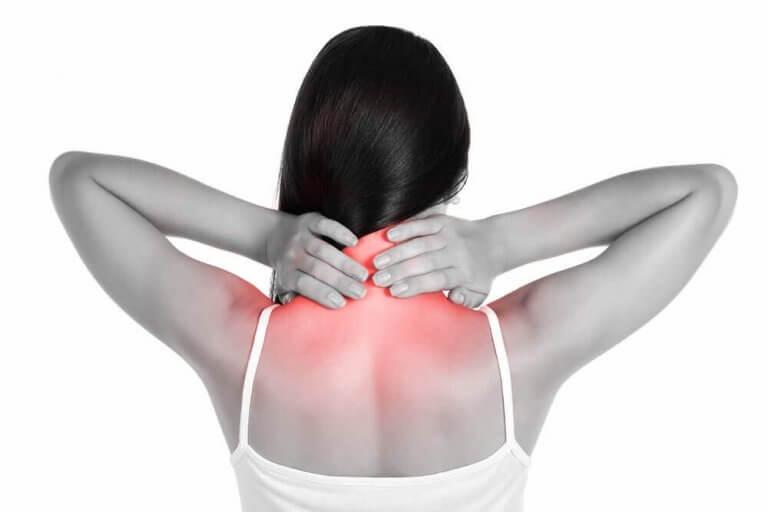 목 통증을 완화하는 자연 치유법