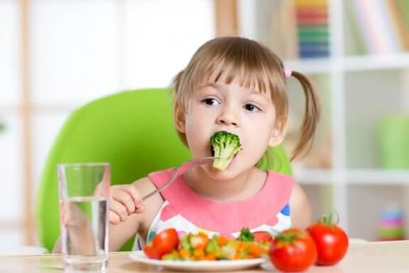 아이가 채소를 먹도록 도움을 주는 레시피 6가지