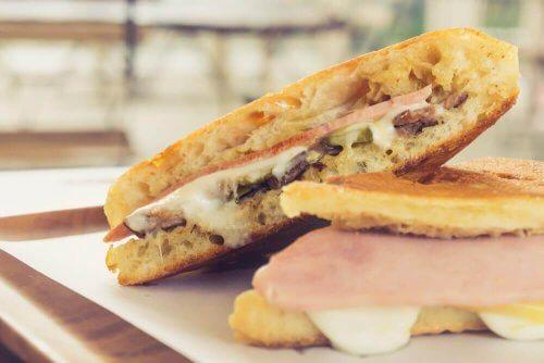 맛있는 홈메이드 쿠바 샌드위치 레시피