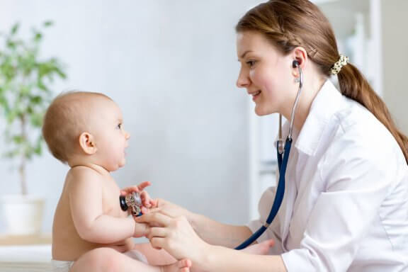 유아 황달의 증상과 치료