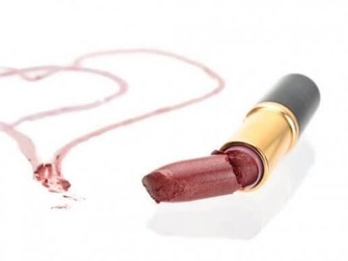 망가진 립스틱을 재활용하는 3가지 아이디어