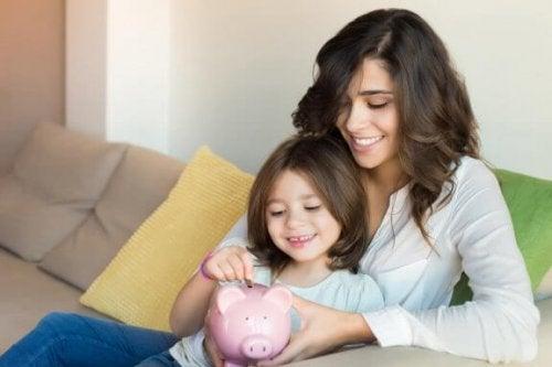 자녀에게 저축하는 습관을 가르치자