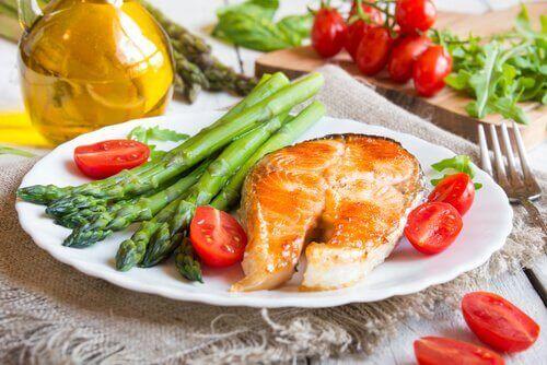 아스파라거스의 8가지 건강상의 이점들 - 영양풍부
