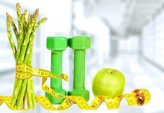 아스파라거스의 8가지 건강상의 이점들 - 다이어트