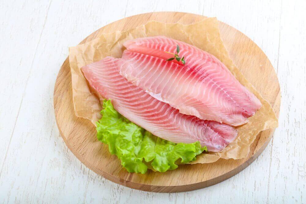 건강한 시력 유지에 도움이 되는 생선