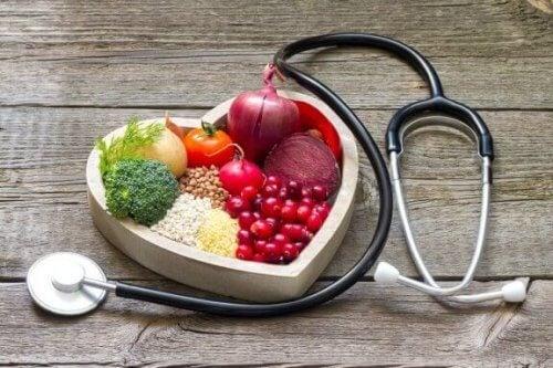 높은 콜레스테롤 수치를 낮추는 가정 요법 5가지