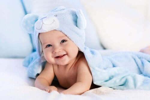 아기의 모발을 관리하는 팁 5가지
