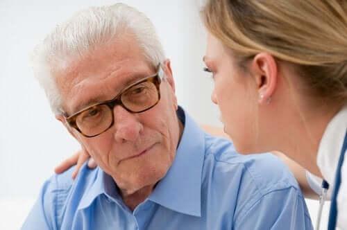 노인들의 투병을 돕는 방법