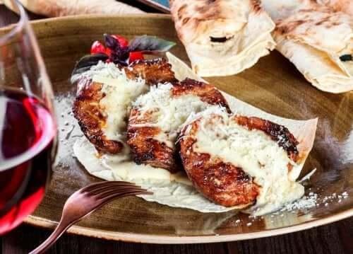 파르메산 송아지 고기 스테이크