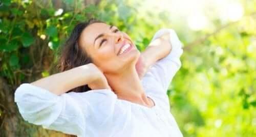 손상된 모발을 복구하는 자연 치유법 5가지