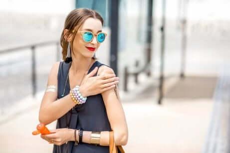 눈가 피부를 관리하는 6가지 방법