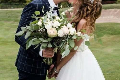 결혼하기에 가장 좋은 계절