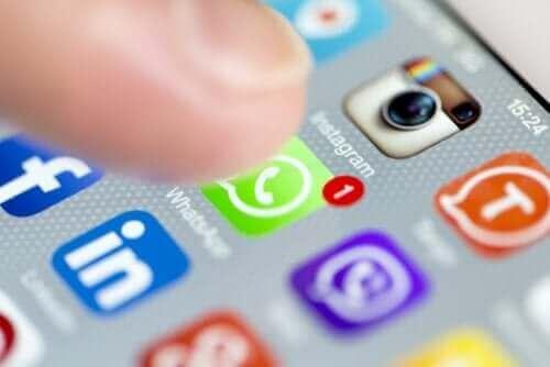 3. 소셜 네트워크를 너무 많이 사용하면 우울증이 생길 수 있다