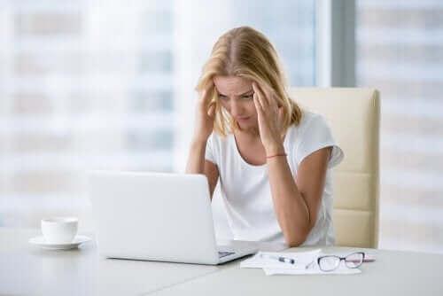 5. 유독한 업무 환경은 우울증을 유발할 수 있다