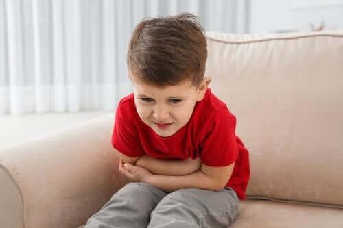 아기의 구토와 구역질을 방지하는 방법
