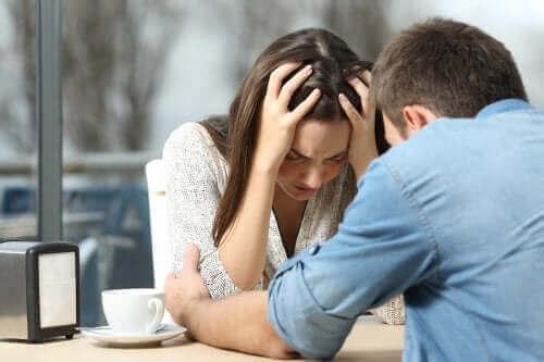 이혼을 극복하는 데 도움이 되는 팁