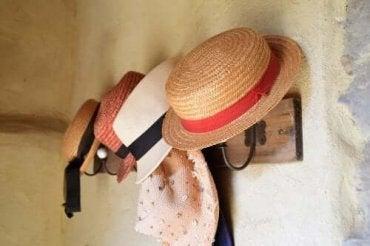 홈메이드 모자 걸이를 만드는 방법