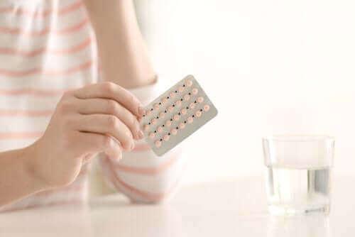 외음부 통증의 원인: 피임약