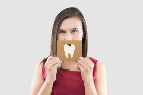 치통 완화에 좋은 5가지 자연 요법