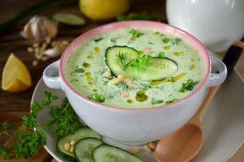 저칼로리 오이 아보카도 수프