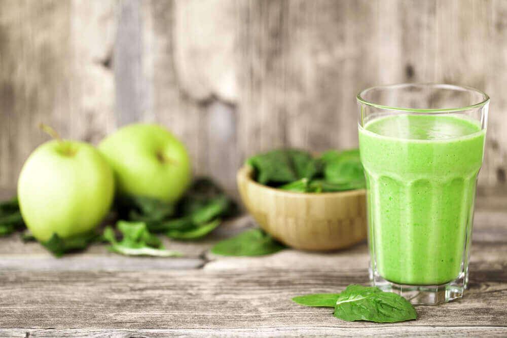 모발 강화와 영양 공급에 좋은 스무디 5가지