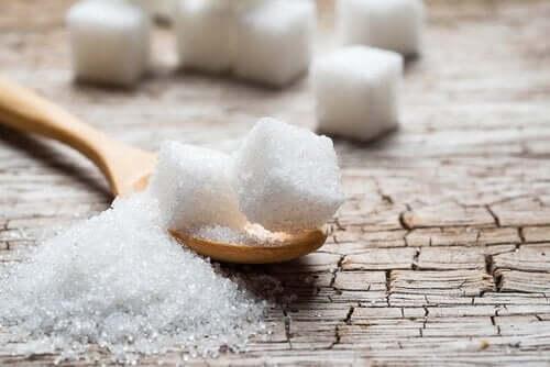 식단에서 설탕을 제외하기 위한 5가지 대안