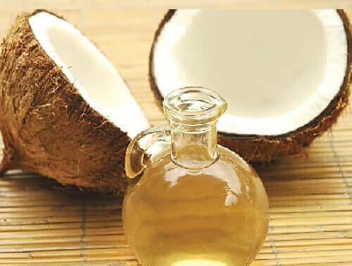 생기 있는 모발을 위한 점토와 코코넛 오일