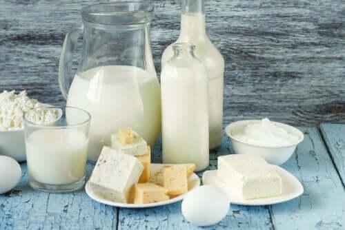 셀룰라이트를 악화시키는 6가지 음식