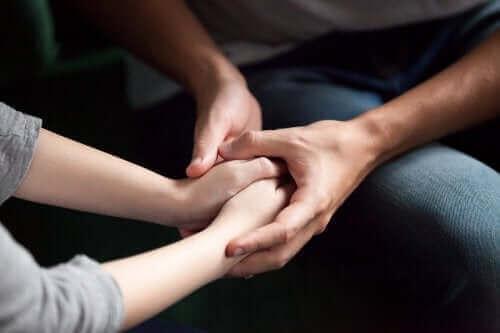 연인에게 애정을 표현하는 5가지 방법