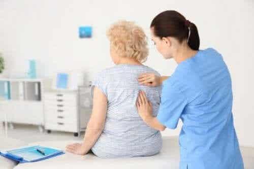 골다공증에 걸릴 위험이 높은 사람을 위한 영양 팁