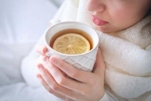 후추, 정향, 생강으로 기침을 치료하는 방법