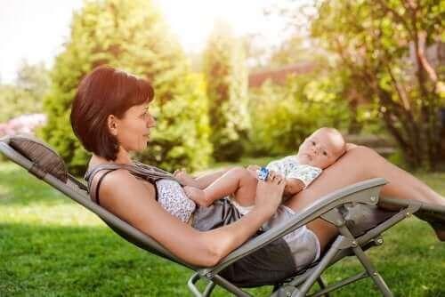 여름에 아기를 낳을 때 도움이 될 만한 팁