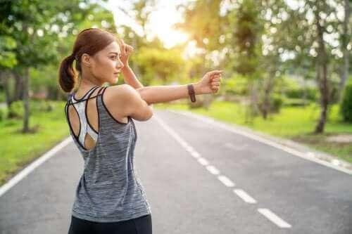 근육 스트레칭과 근육 강화 중 어느 쪽이 좋을까?