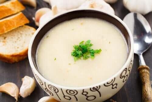 비건 마늘 수프
